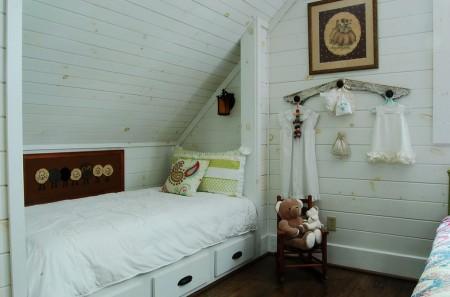 Poze Copii si tineret - Camera pentru copii decorata in stil rustic