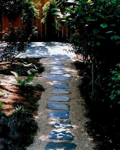 Poze Alei - Amenajare alei cu lespezi din piatra naturala si pietris