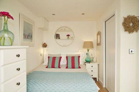 Poze Dormitor - Amenajarea unui mic dormitor alb