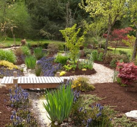 Poze Gradina de flori - O superba amenajare exterioara care te imbie la plimbare