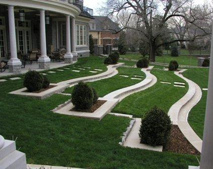 Poze Gradina de flori - Amenajare pentru o gradina in panta, terasare, gazon, alei, arbori si arbusti decorativi