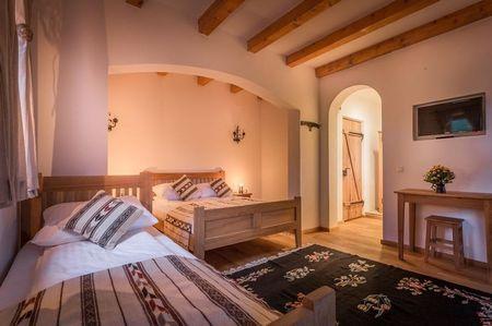 Poze Dormitor - amenajare-interioara-hanul-vatra.jpg