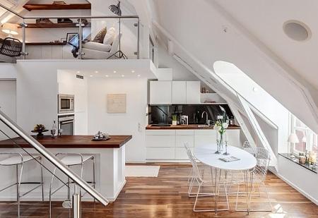 Poze Bucatarie - Bucataria unui apartament spectaculos amenajat la mansarda