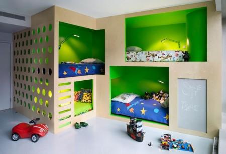 Poze Copii si tineret - Amenajare moderna, cu paturi etajate, a unei camere pentru mai multi copii