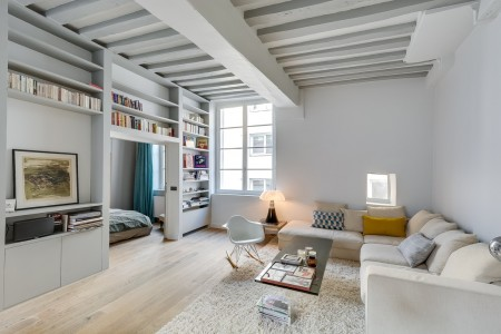 Poze Living - Folosind alb obtineti un interior luminos si care sa para mai spatios.