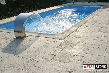 Poze Piscina - Amenajare piscina cu borduri pentru piscina Roma si pavaje calcar