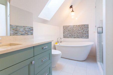 Poze Baie - Un decor elegant, feminin pentru baie