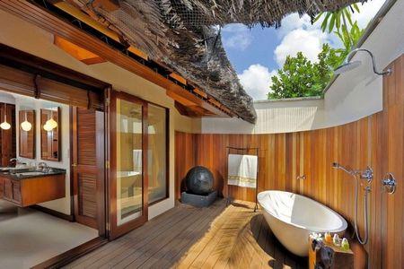 Poze Baie - Relaxare in baia de pe terasa