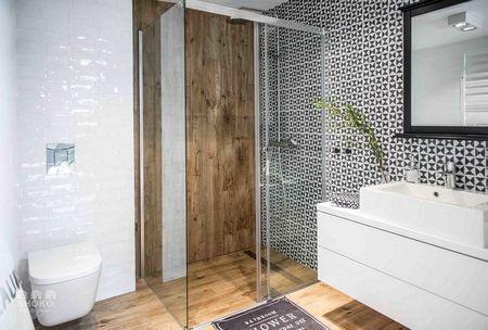 Poze Baie - Design modern in baia unui apartament