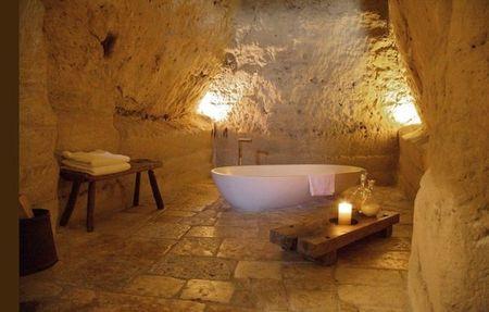 Poze Baie - baie-romantica-hotel-pestera-italia-1.jpg