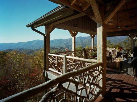 Poze Case lemn - balcon-balustrada-rustica.jpg