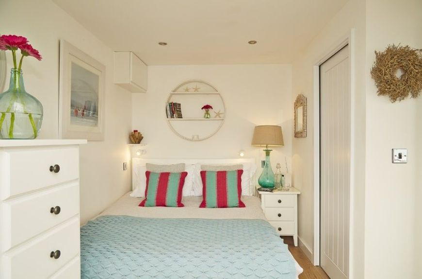 Amenajare unui dormitor alb