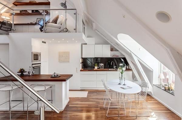 Bucataria unui apartament spectaculos amenajat la mansarda