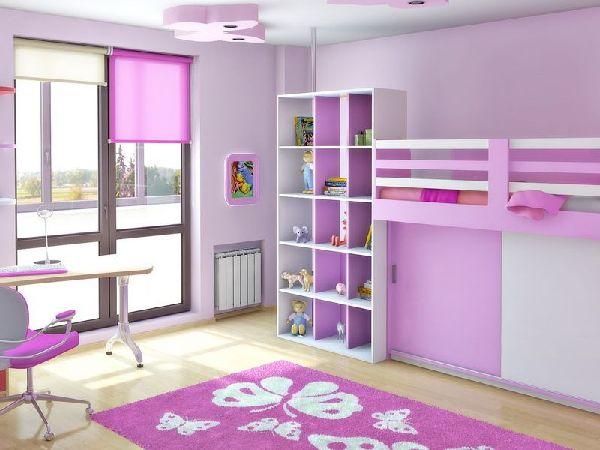 Combinatie de roz cu culoarea delicata a florilor de liliac in camera copilului.