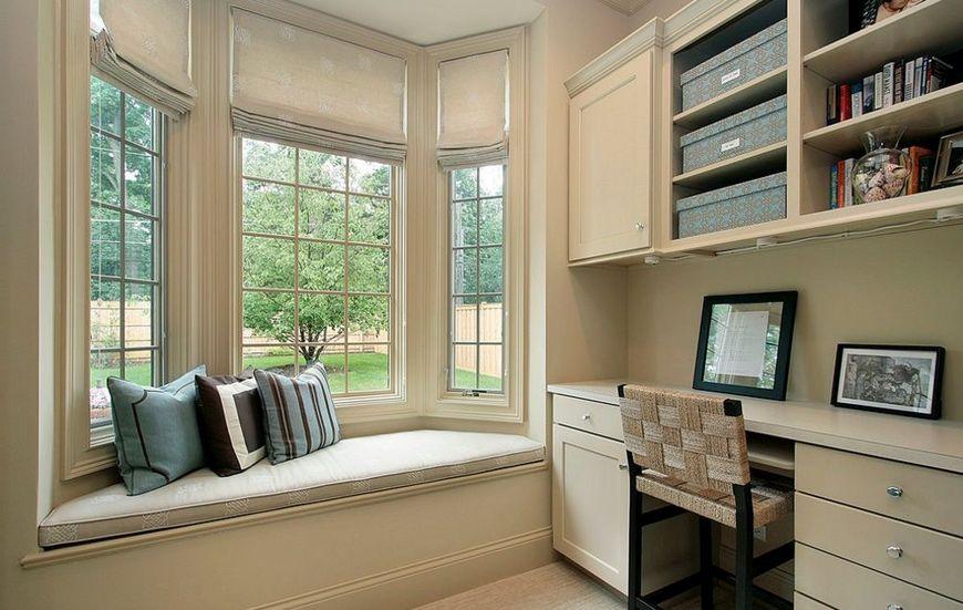 Bancuta integrata in fereastra acestui birou constituie un bun mijloc de relaxare