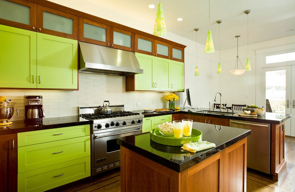 Bucatarie moderna in culori tonice