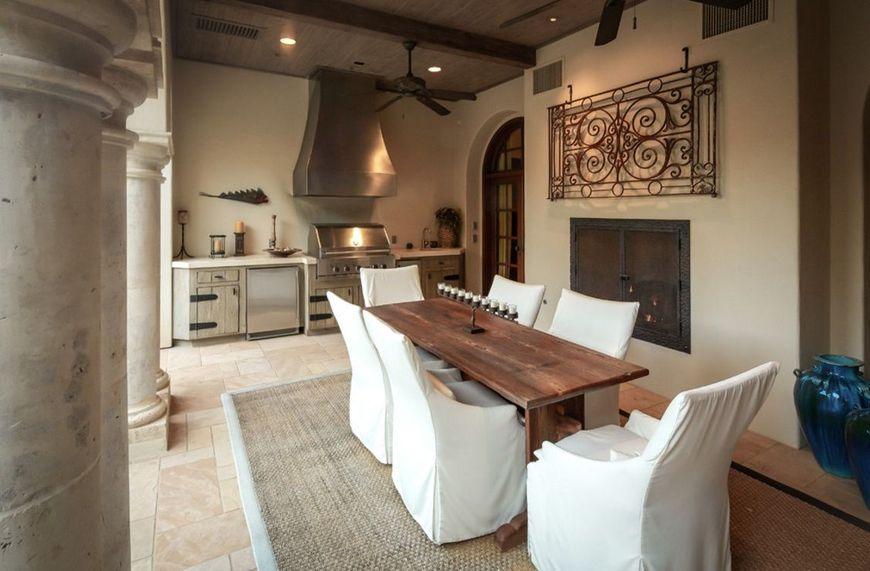 Bucataria de vara a unei case in stil mediteranean
