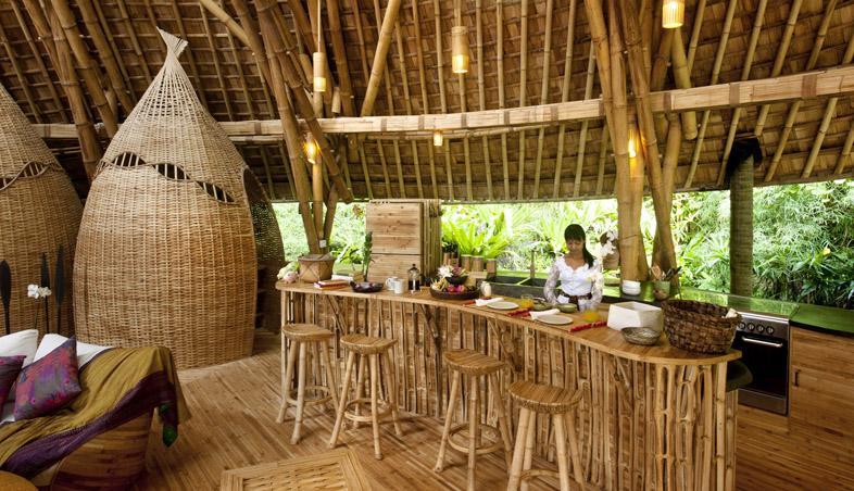 Bar realizat din lemn de bambus