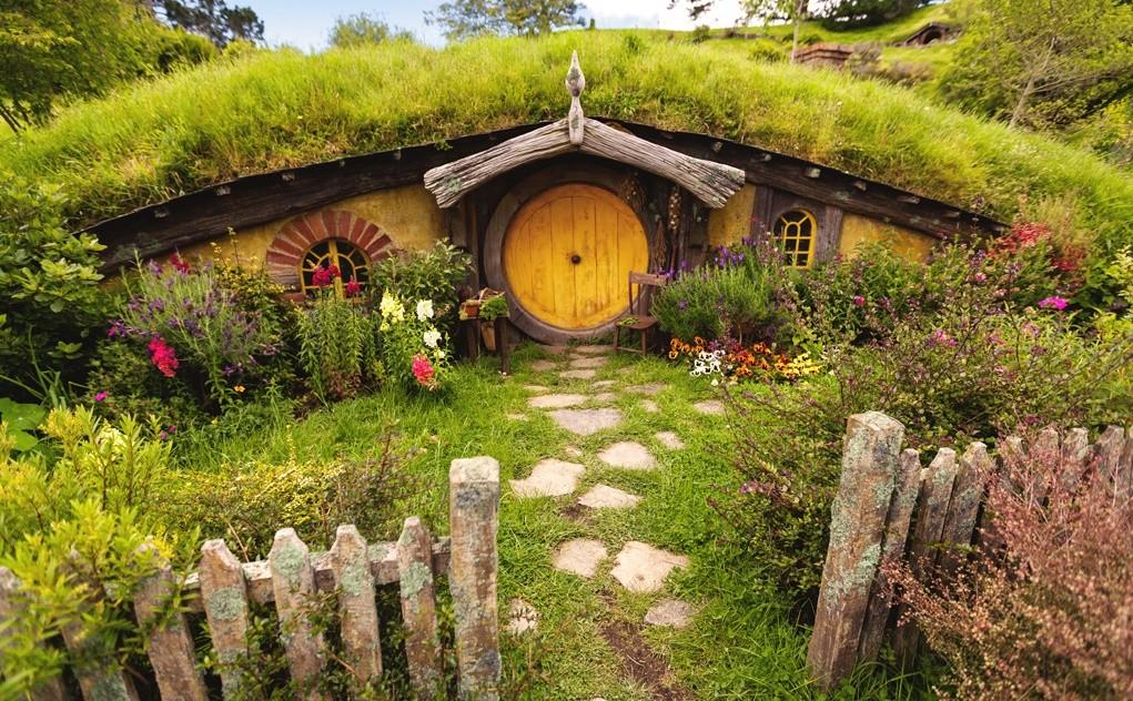 Casuta hobbitilor