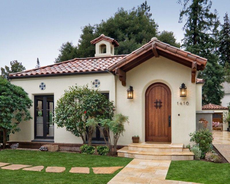 Casa mica in stil mediteranean