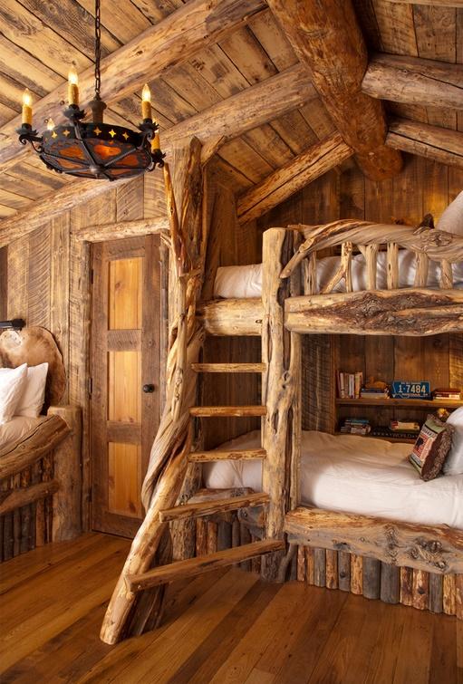 Casa si mobilier din lemn masiv