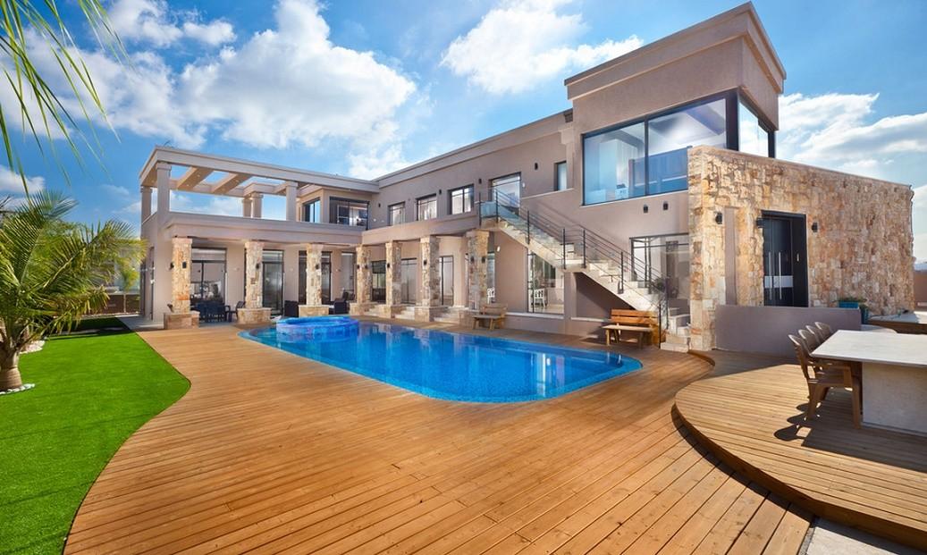 amenajare exterioara casa moderna cu piscina