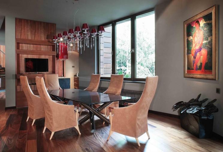 Sufragerie moderna cu priveliste deosebita