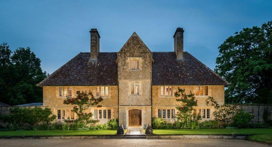 Simetria, o caracteristica in arhitectura a stilului clasic
