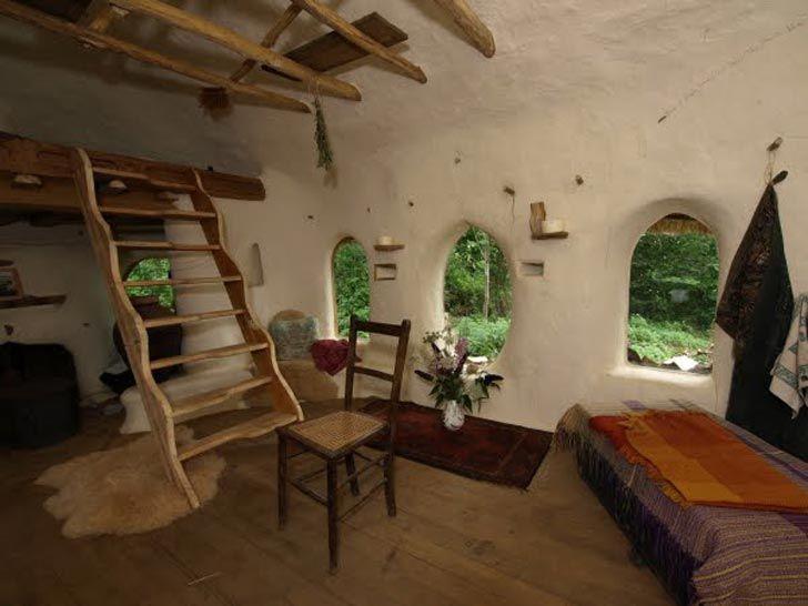 Interiorul unei case ecologice