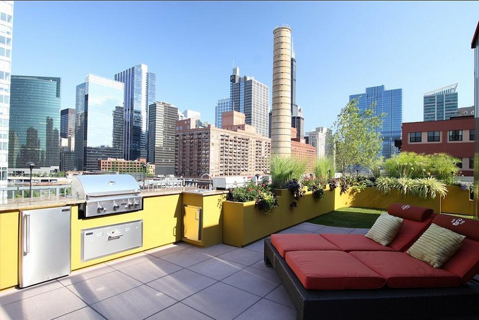Terasa pe acoperisul unui zgaraie-nori din Chicago