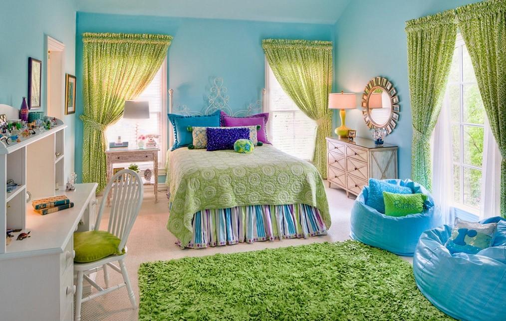 Amenajare camera adolescenti in culori vii