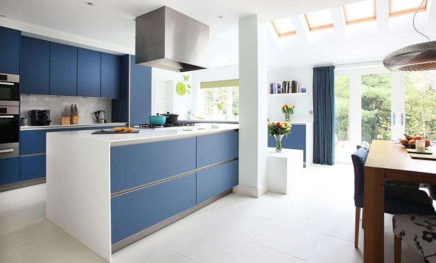 Albastrul in bucatarii moderne