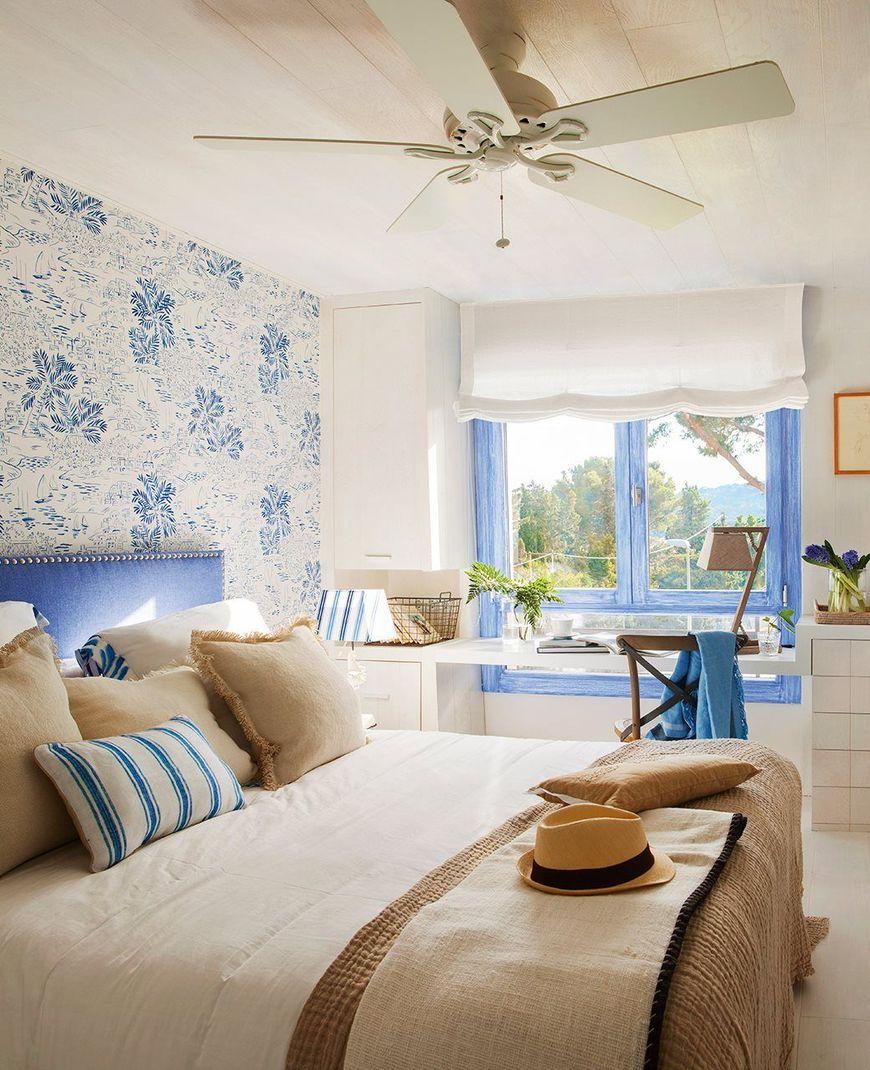 Tapet floral in dormitor