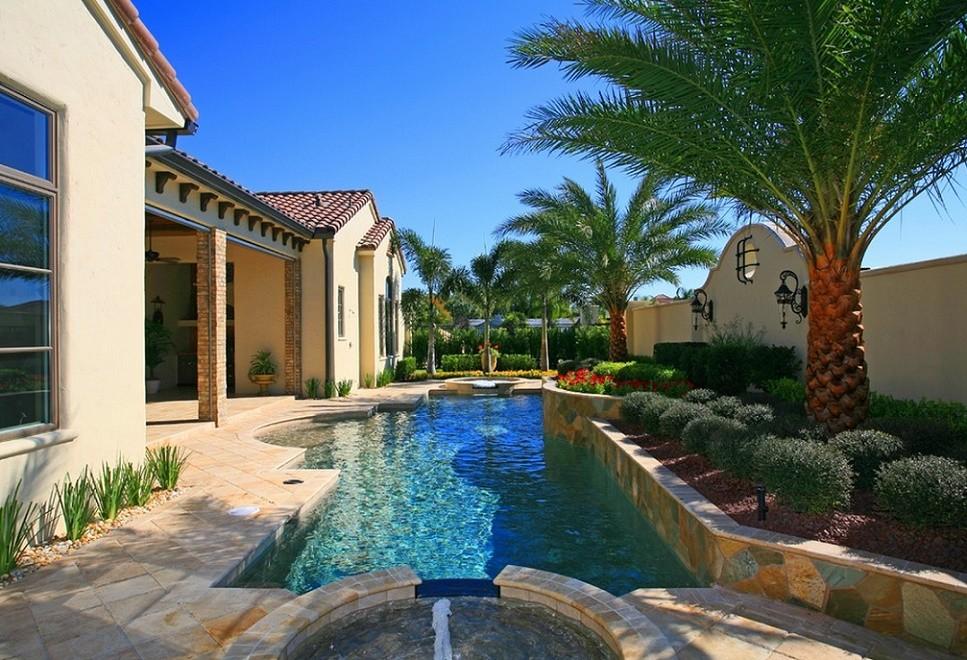 Piscina casa in stil mediteranean