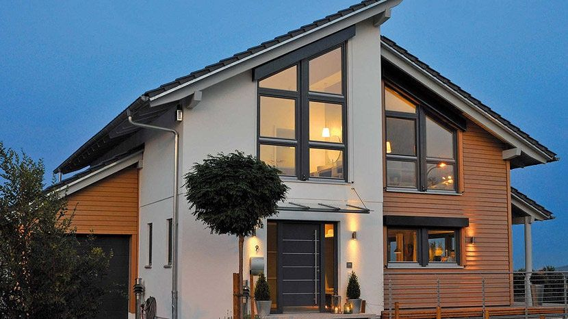 case arhitectura moderna cu mansarda si garaj atasat
