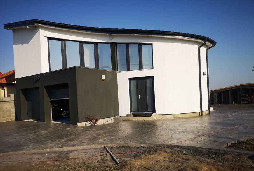 Casa cu forme curbe