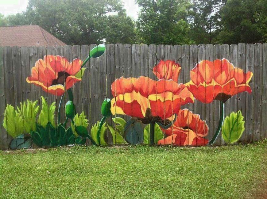 Gard din lemn pictat