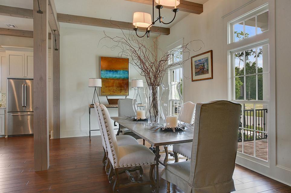 Sufragerie contemporana cu elemente rustice