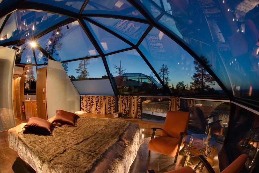 Dormitor iglu din sticla