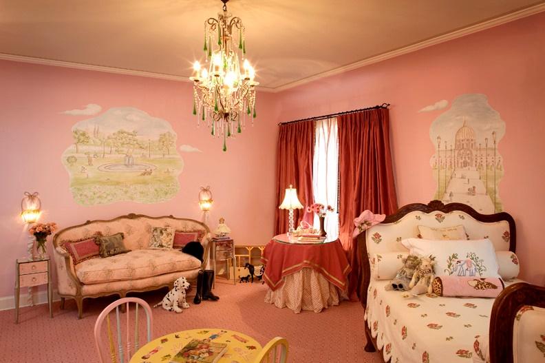 Decor de poveste pentru camera unei fetite