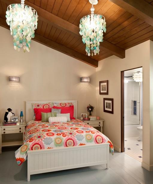 Dormitor pentru copii la mansarda