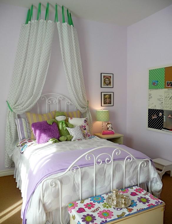 Petele de culoare sunt obligatorii in dormitorul copiilor