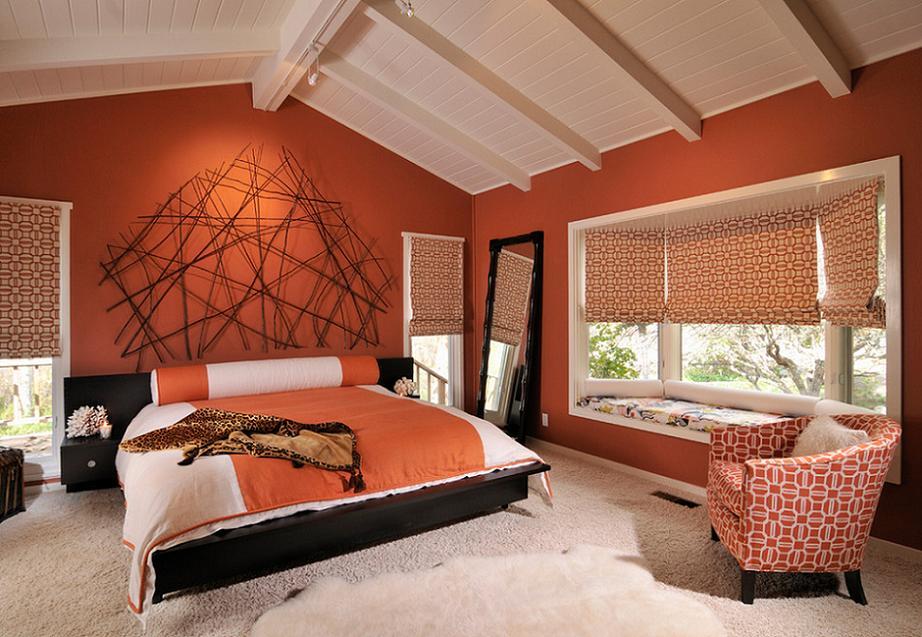 Dormitor matrimonial modern la mansarda