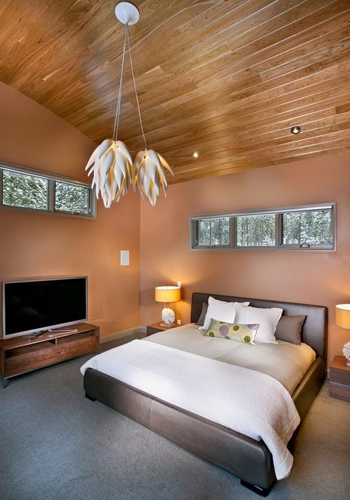 Dormitor modern cu finisaje naturale