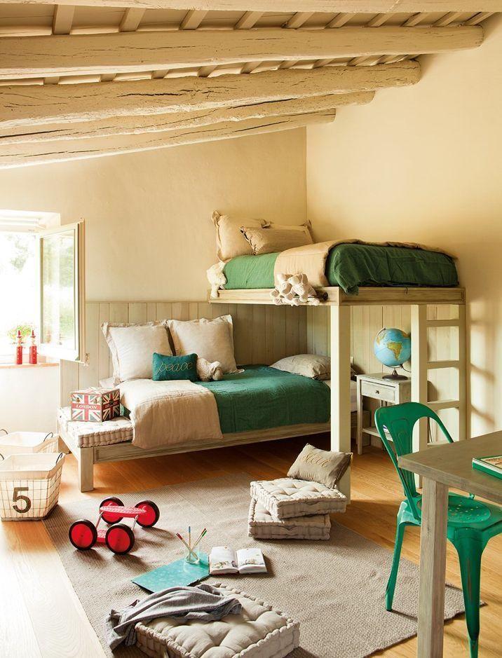 Camera de copii cu paturi etajate