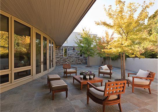 Imagine amenajare terasa Ring Mountain Residence, Sutton Suzuki Architects