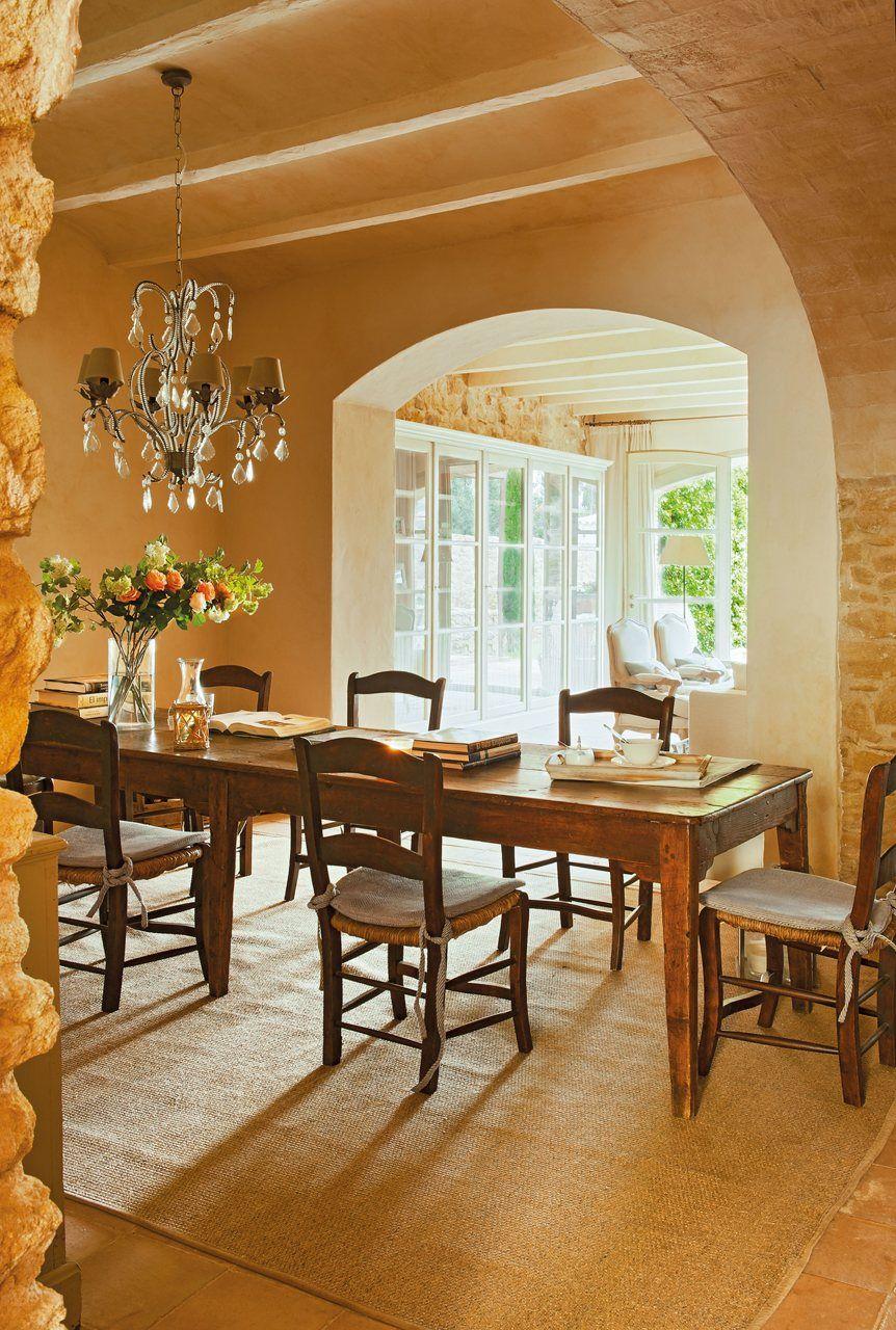 Sufragerie casa in stil mediteranean