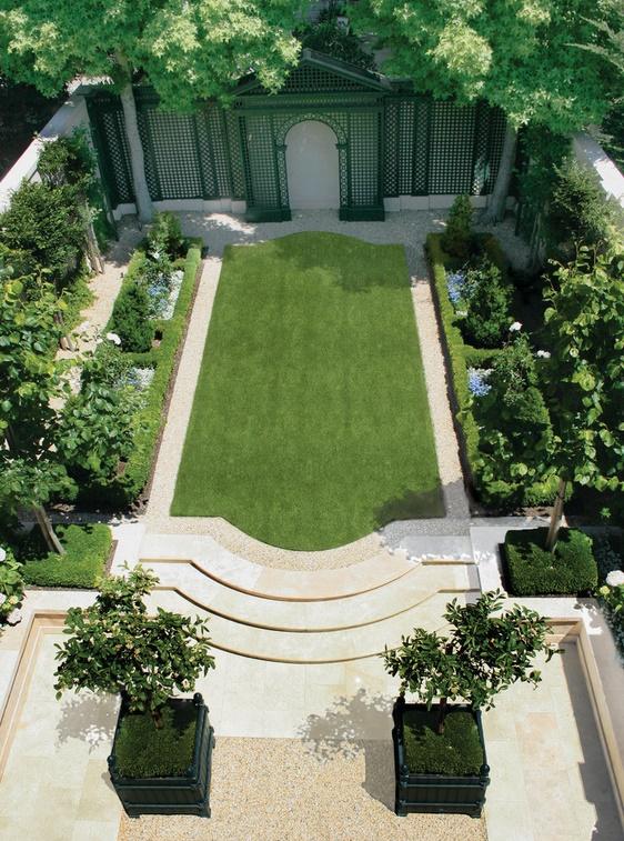 Simetria gradinilor in stil clasic