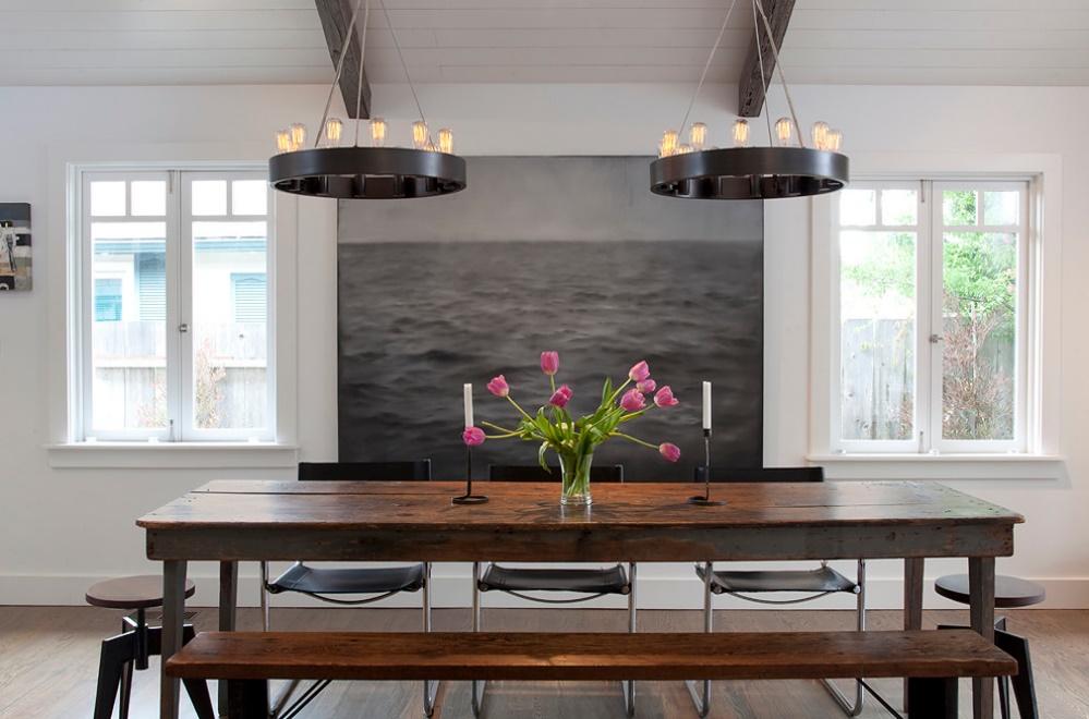 Dining modern, minimalist, cu accente rustice