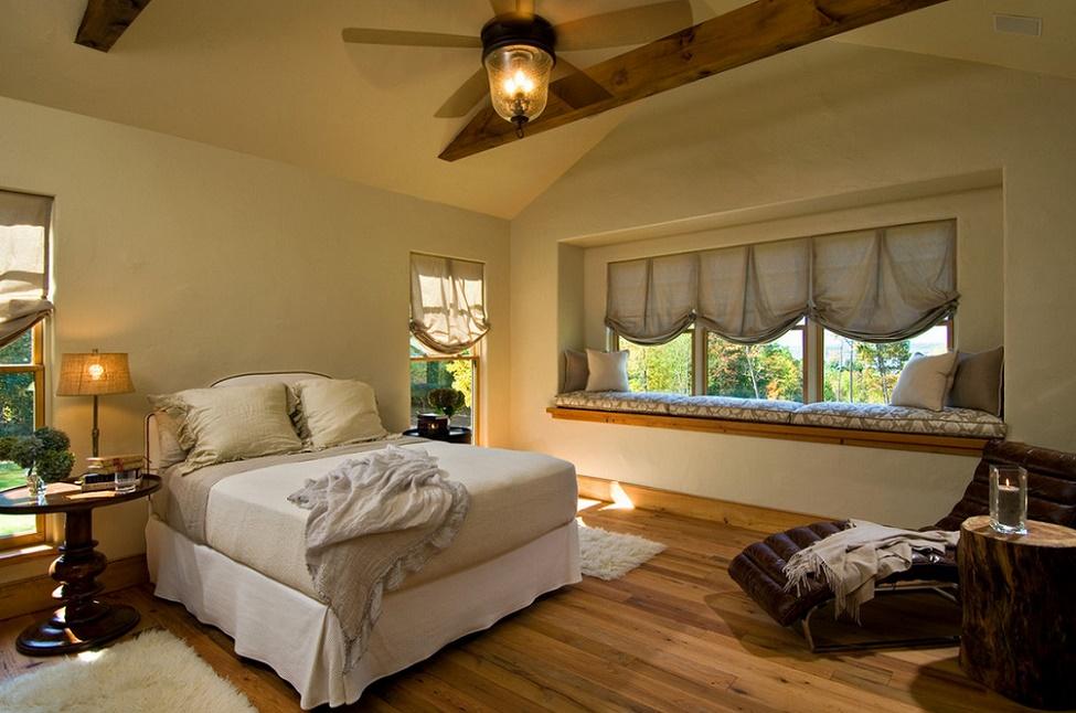 Dormitor cu detalii rustice